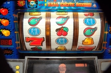Esercizi statistica slot machine